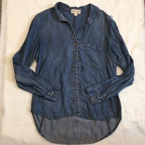 Women's Cloth and Stone Chambray Button Down top